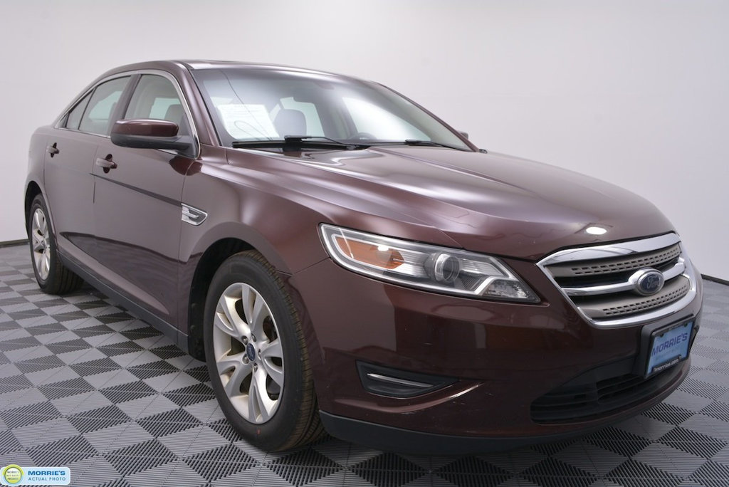 Pre-Owned 2010 Ford Taurus 4dr Sedan SEL FWD