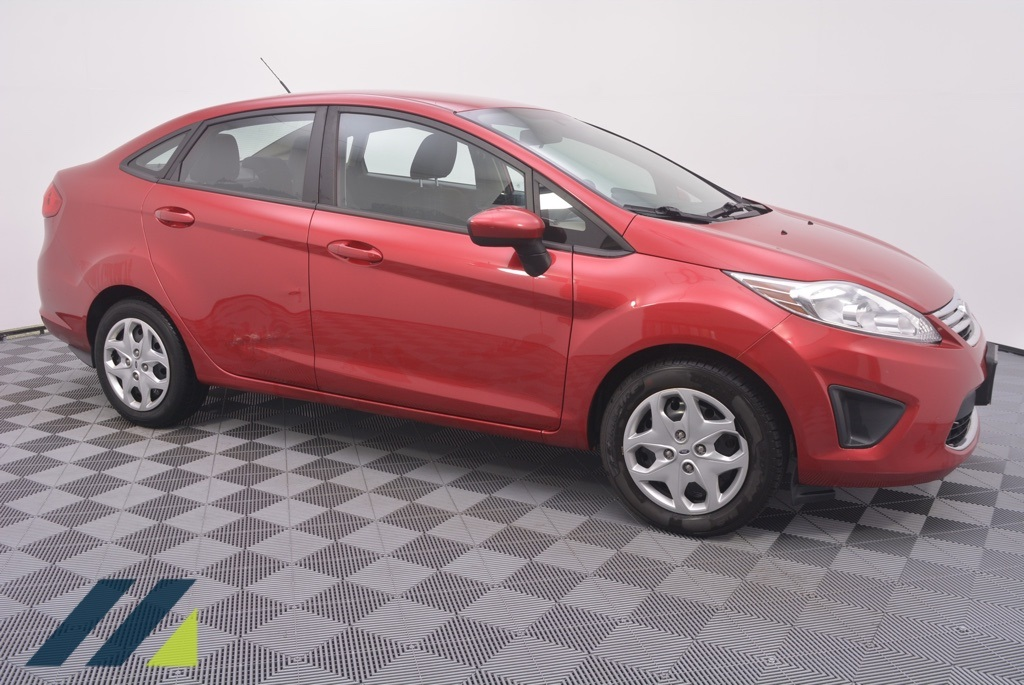 Pre-Owned 2011 Ford Fiesta SE FWD 4D Sedan