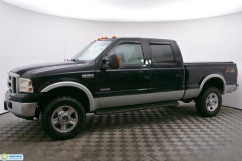 "Pre-Owned 2005 Ford Super Duty F-350 SRW Crew Cab 156"" Lariat 4WD"