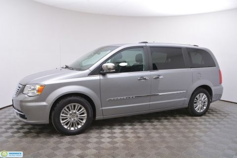 Pre-Owned 2015 Chrysler Town & Country 4dr Wagon Limited