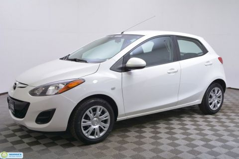 Certified Pre-Owned 2014 Mazda2 4dr Hatchback Automatic Sport