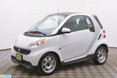 Pre-Owned 2014 smart Fortwo 2dr Coupe Pure